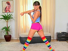 Solo scene with a sporty Euro babe