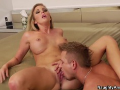 Hot blonde Samantha Saint pays her rent apartment with her stunning body