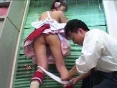 Flat chested Japanese girl Mari Yamada likes it hotter