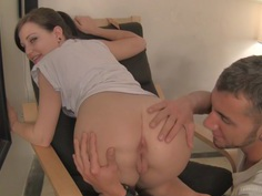 Brandi Belle in amateur girl gives a blowjob and has hardcore sex